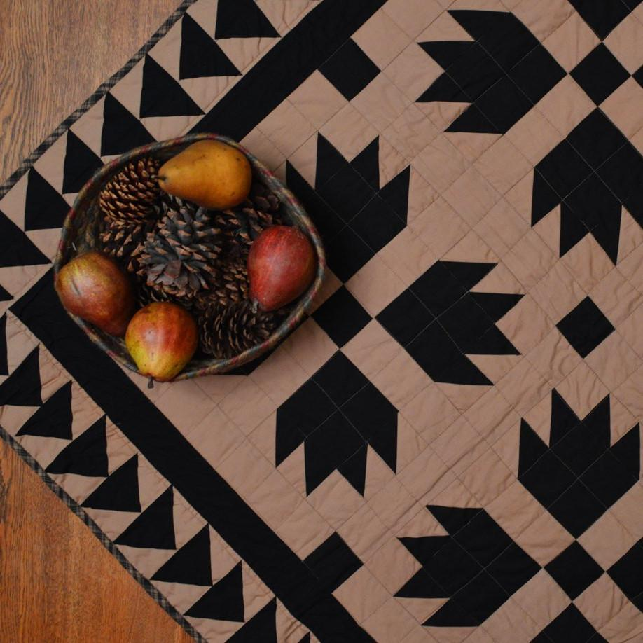 Black Bear's Paw Mini Quilt - Table Topper/ Wall Hanging