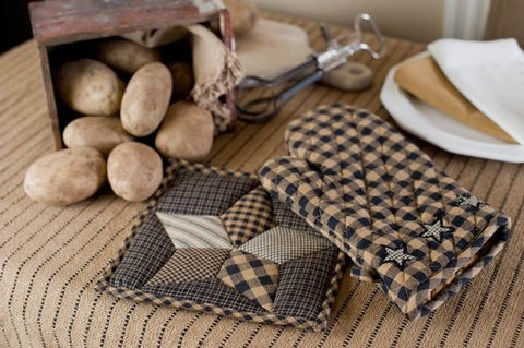Farmhouse Star Oven Mitt - Retro Barn Country Linens