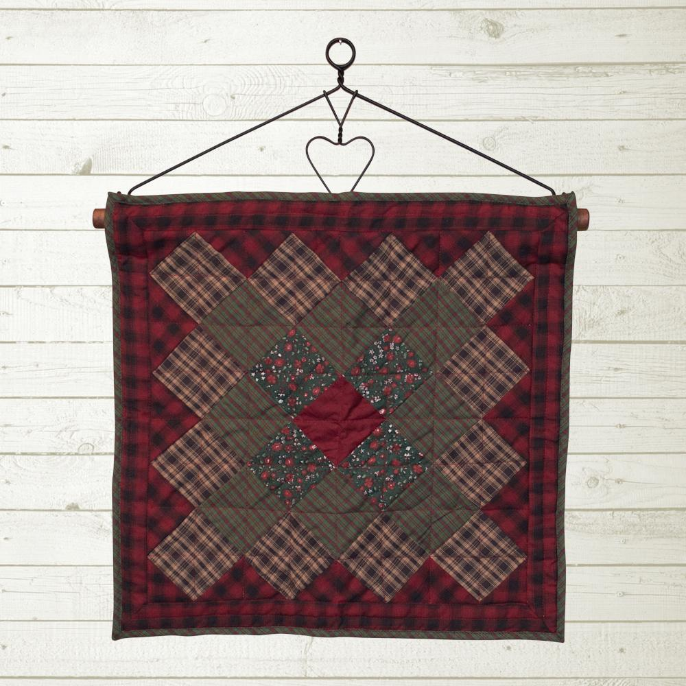 Winterberry Quilt Block