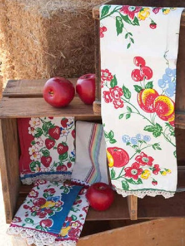 Berries Jubilee Towel Set - Retro Barn Country Linens - 1
