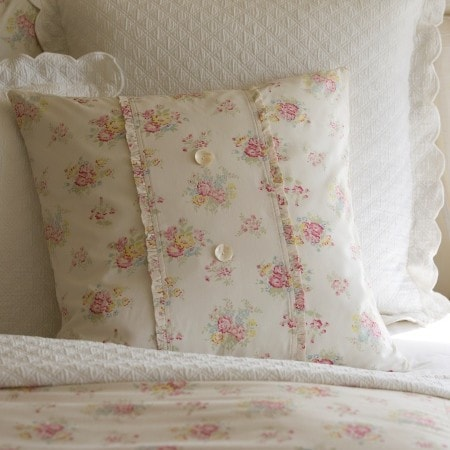 Clovelly Porch Pillow - Retro Barn Country Linens - 1