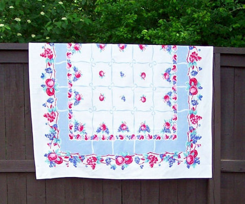 From The Vine Tablecloth - Retro Barn Country Linens - 1