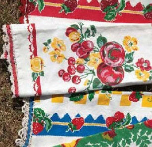 Grandma's Kitchen Towel Set - Retro Barn Country Linens - 3