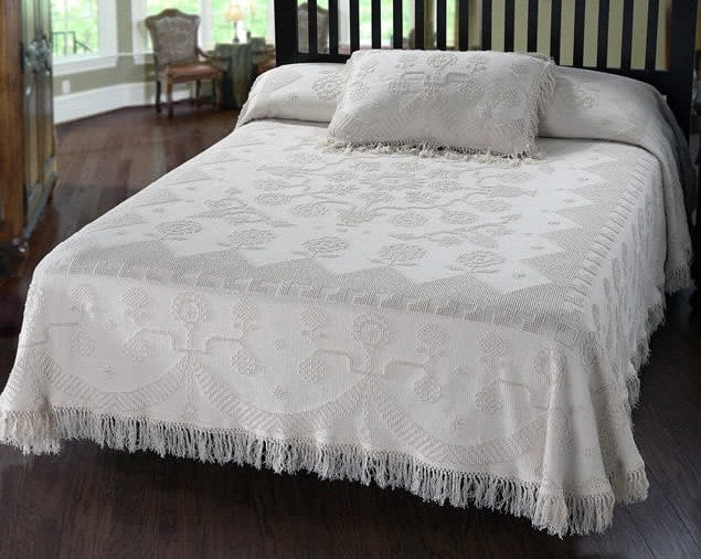 Martha Washington Bedspread Retro Barn Country Linens