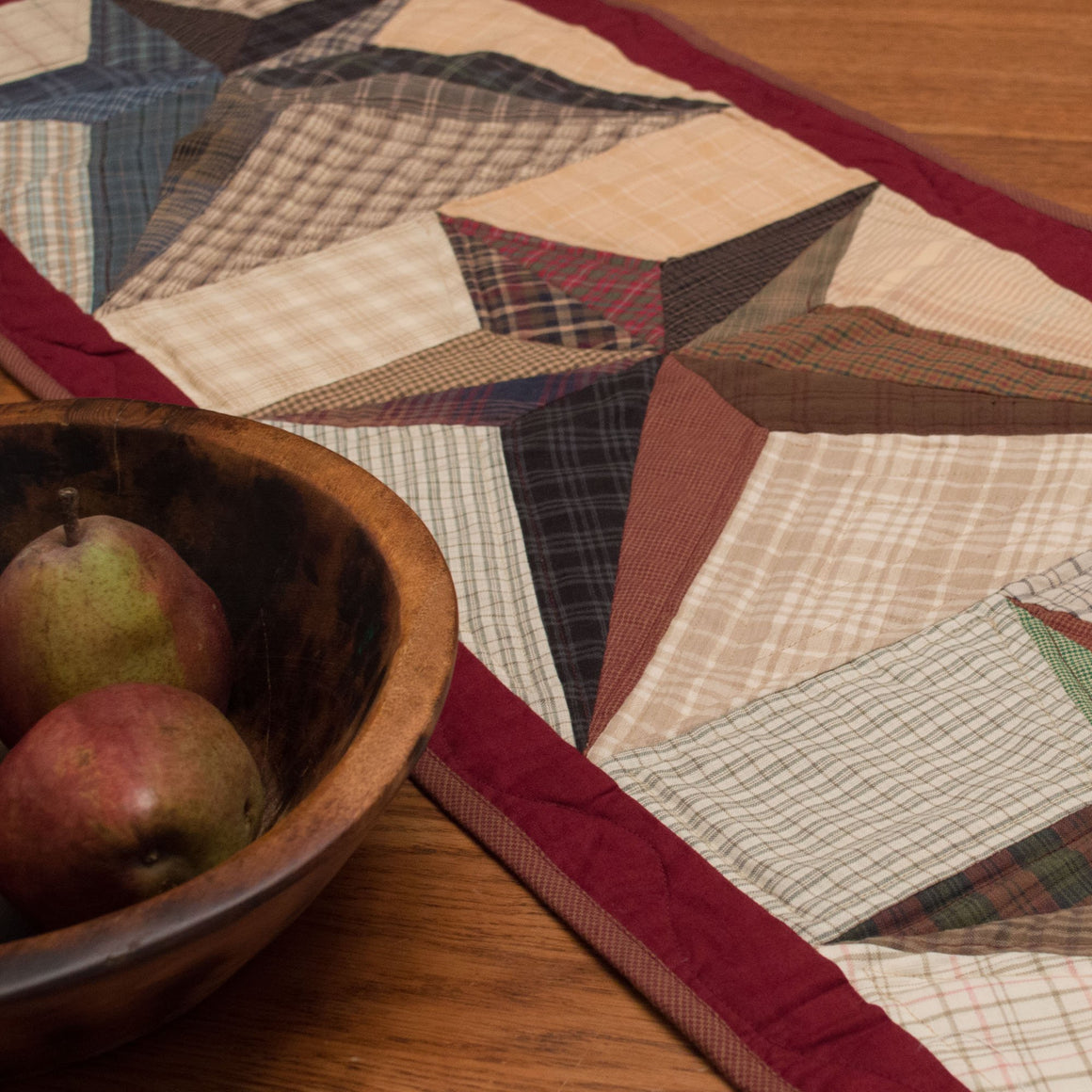 Scrappy Star Table Runner