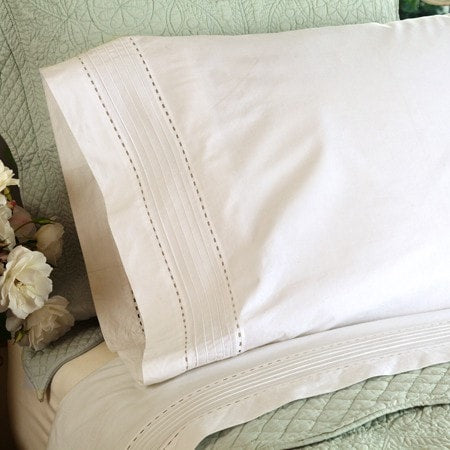 Tailored Pinefore Sheet Set in Cream - Retro Barn Country Linens - 1