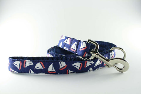 Navy Sailboat Leash in Navy - FINAL SALE