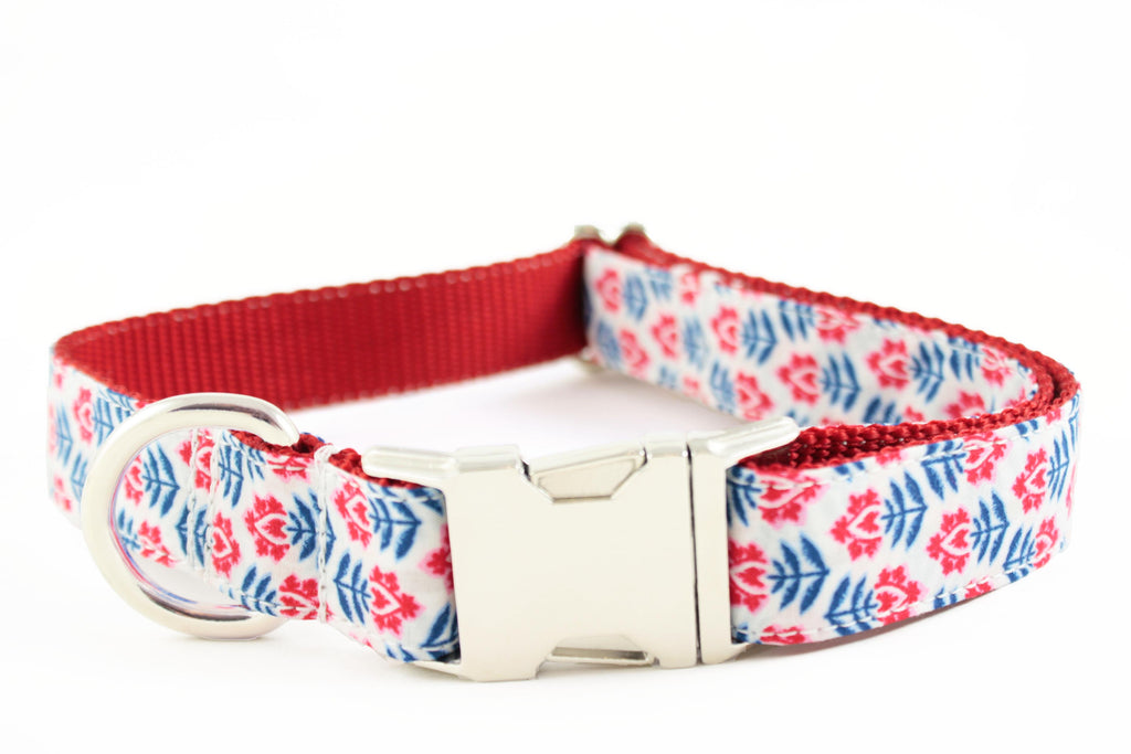 Red White and Blue Flowers Collar