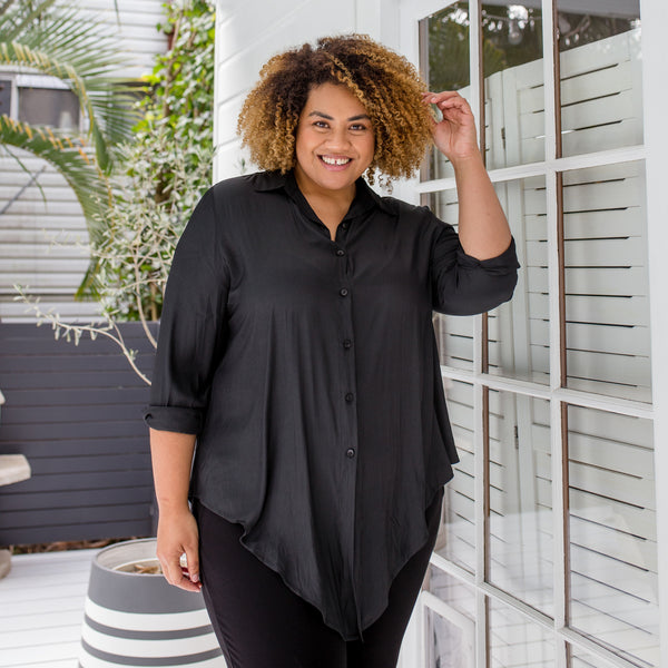 Asinate in our Cate technical shirt - black and our Suzie ponte jogger pants - black