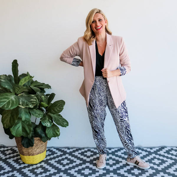 Brooke wearing our Kerryn blazer in blush over our casual Melissa Safari pants