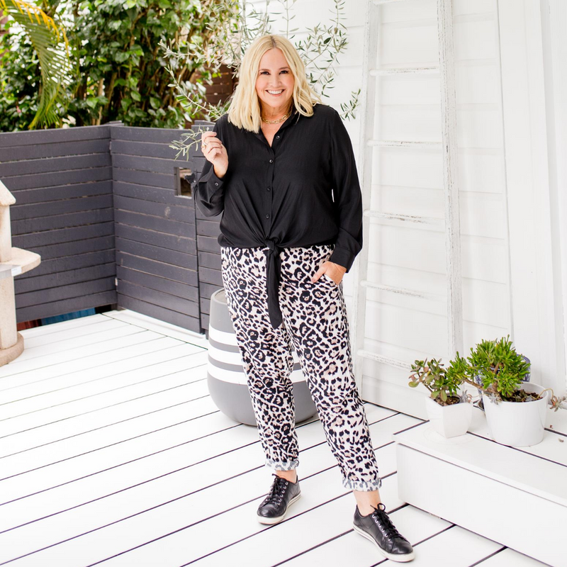 Angela relaxed pant - animal print
