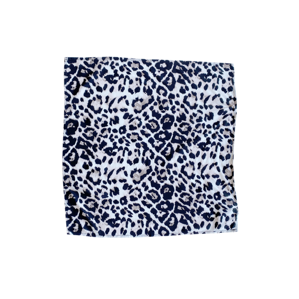 Nik scarf/wrap - animal print