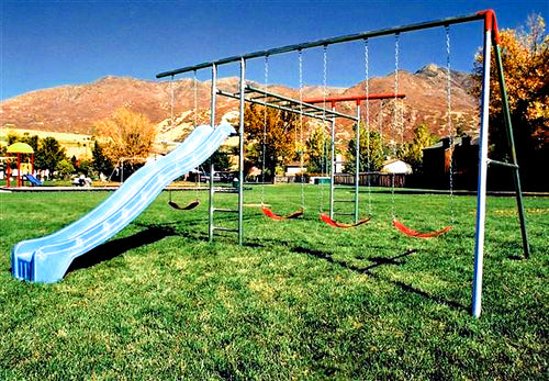 A-Frame Combo with Monkey Bars Swing Set