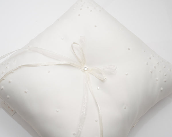 ivory knot-wedding accessories-bridal ring cushions-dina