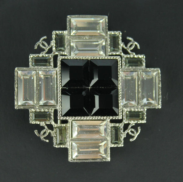 Chanel 2014 Glass And Costume Onyx Stone Brooch