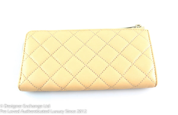 Michael Kors Cream Quilted Zip Around Wallet SH