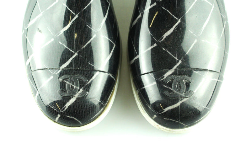Chanel Black W Coco Signature W/ White Detail Rubber Rain Boots/Booties EUR 39 UK 6