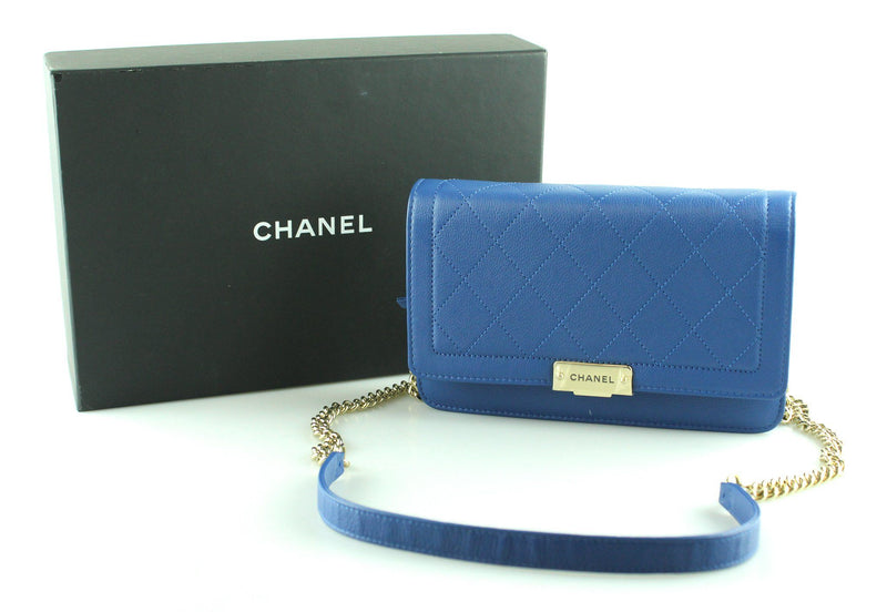 Chanel 2018 Clic Label Wallet On Chain Limited Bleu Electric