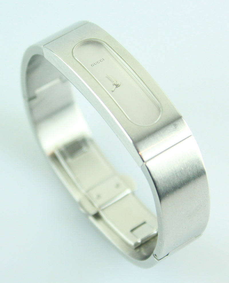 Gucci 2400S Brushed Steel Bracelet Watch With Sapphire (2)