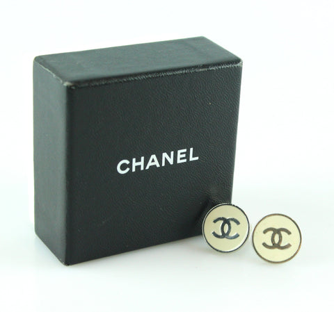 Chanel White / Silver Tone CC Clip On Earrings