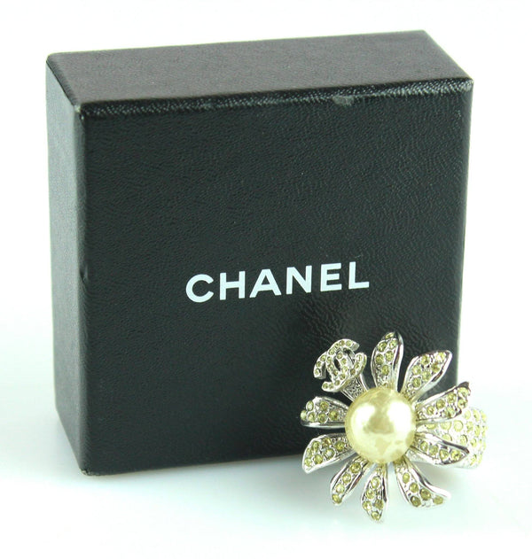 Chanel 2005 Diamante Costume Pearl Flower Ring