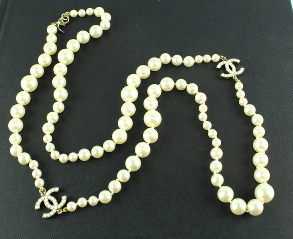 Chanel 2012 Gradient Costume Pearl Single Strand Neclace With White Pearl CC