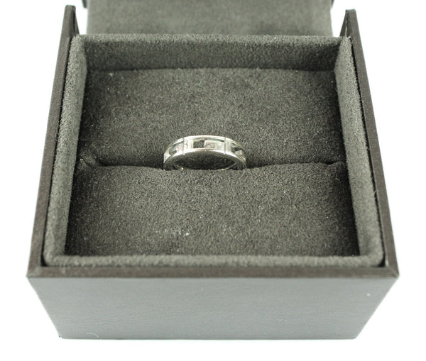 Gucci 18k White Gold G Signature Ring