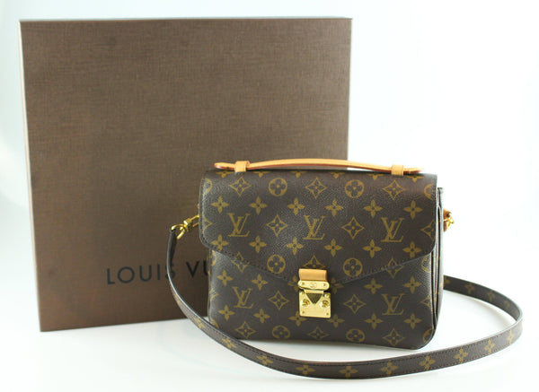 422c27a5cf33 Louis Vuitton Pochette Metis Monogram DU0116 – Designer Exchange Ltd
