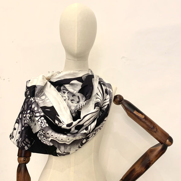 Salvatore Ferragamo 90cm Silk Black And White Scarf