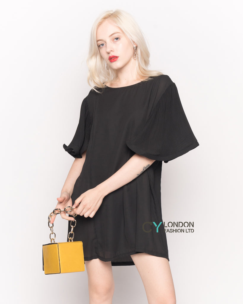 Top with Oversized Ruffle Sleeves in Black