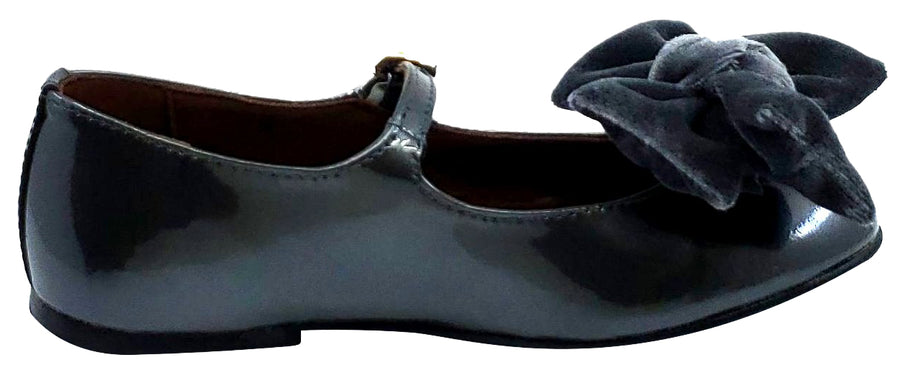 Clarys Girl's Patent Leather Mary Jane with Velvet Bow, Grey Patent