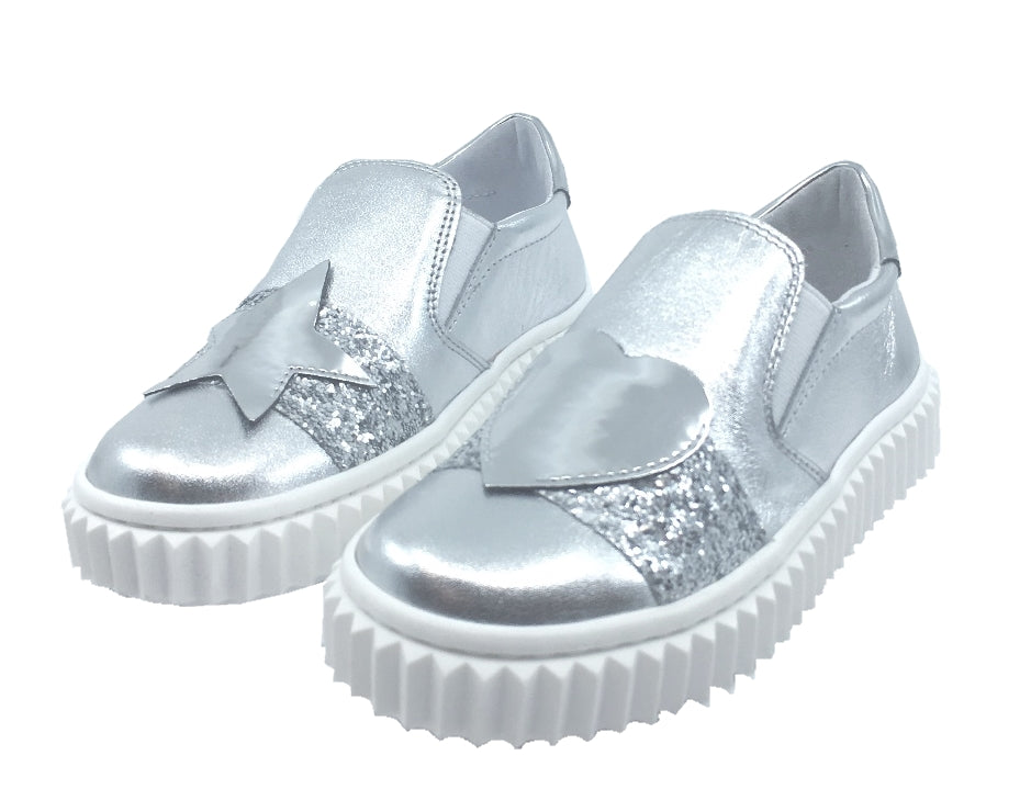 f90d66dac5 Naturino Girl's & Boy's Silver Metallic Leather with Glitter Decal Detail  Slip On Low Top Casual Sneaker Shoe