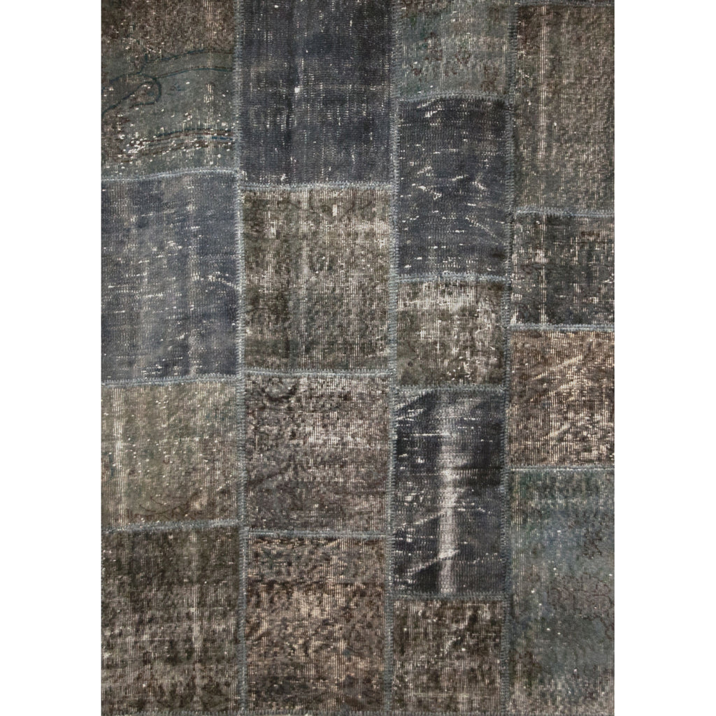 Distressed Patchwork Rug 8'x10' in Grey Finish