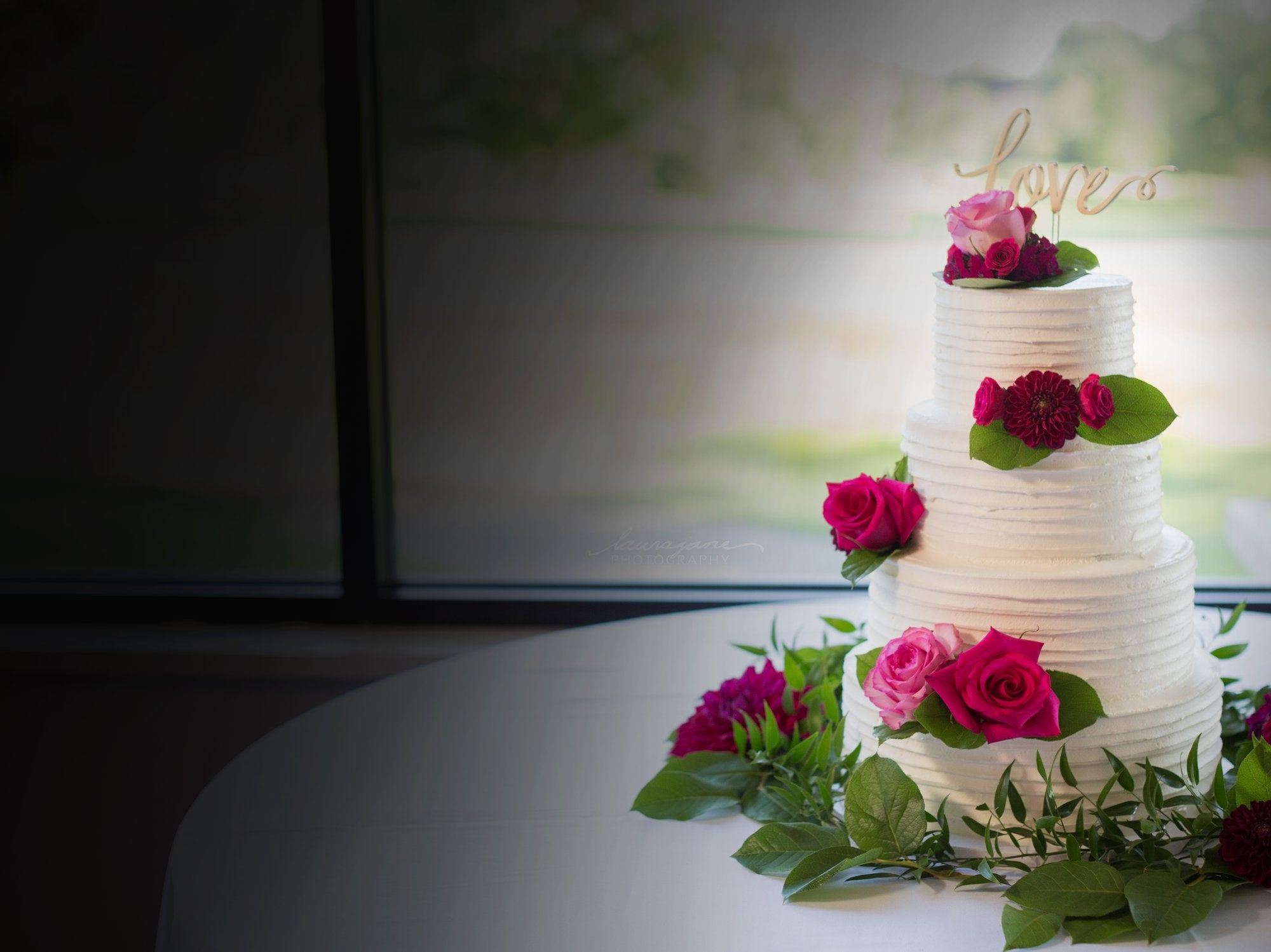 Book This Month And Save Dream Weddings Wedding Cakes