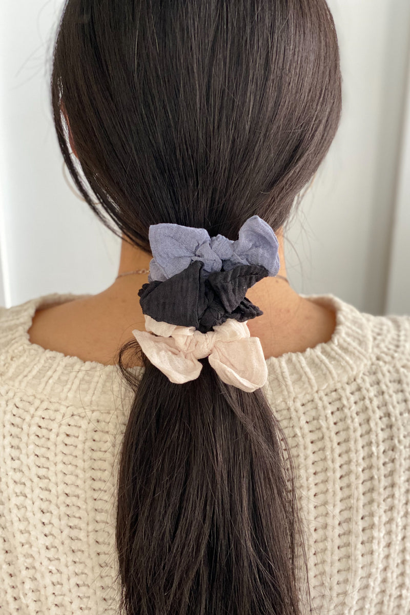 Crinkled Bow Scrunchie, Black