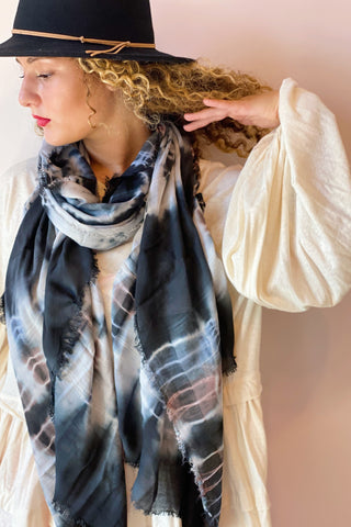 Retro Aspect Scarf in Tie Dye Black
