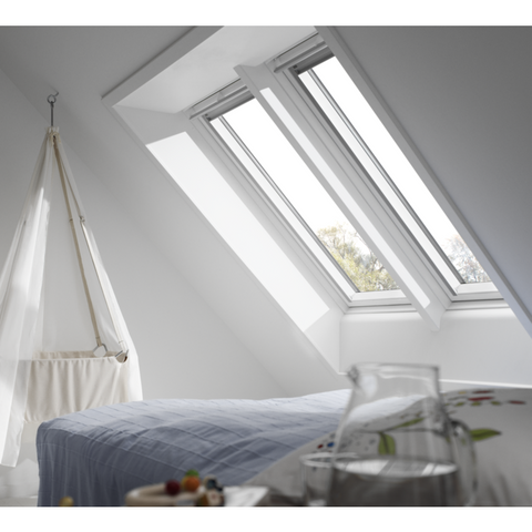 velux ggl mk06 2070 white painted centre pivot window 78 x 118 cm roofing outlet. Black Bedroom Furniture Sets. Home Design Ideas