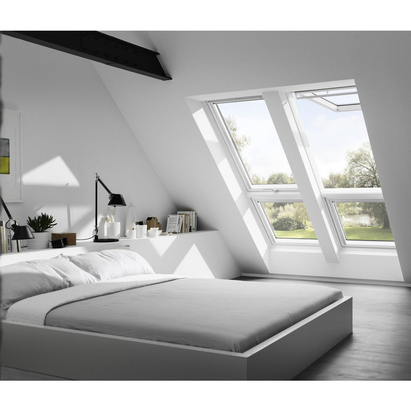 VELUX GPL FK08 2070 White Painted Top-Hung Window (66 x 140 cm)