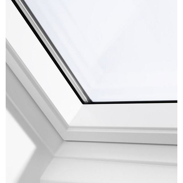 VELUX GGU CK04 0066 White Polyurethane Centre-Pivot Roof Window (55 x 98 cm)