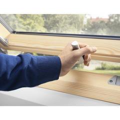 VELUX GPL PK04 3070 Pine Top-Hung Window (94 x 98 cm)