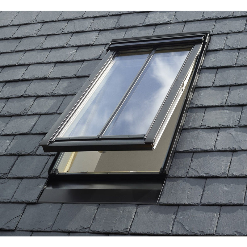 VELUX GPL MK08 SD5N3 Pine Top-Hung Conservation Window (78 x 140 cm)