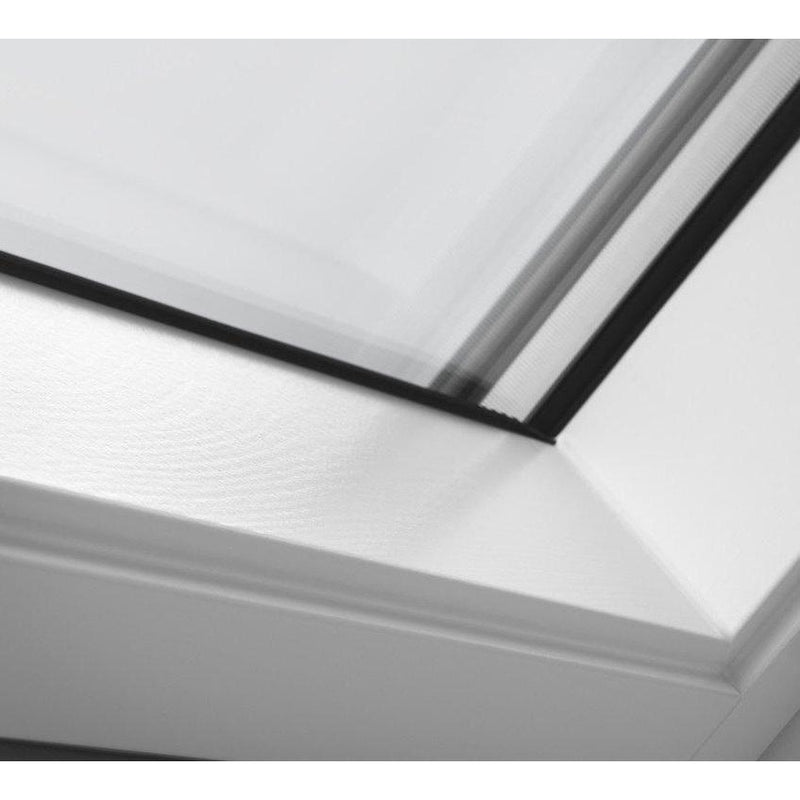 VELUX GGL MK04 2062 White Painted Triple Glazed Centre-Pivot Window (78 x 98 cm)