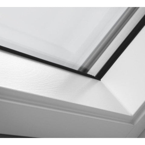 velux ggl sk01 2070 white painted centre pivot window 114 x 70 cm roofing outlet. Black Bedroom Furniture Sets. Home Design Ideas