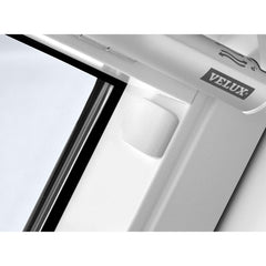 VELUX GGL PK06 2070Q Enhanced Security White Painted Centre-Pivot Window (94 x 118 cm)