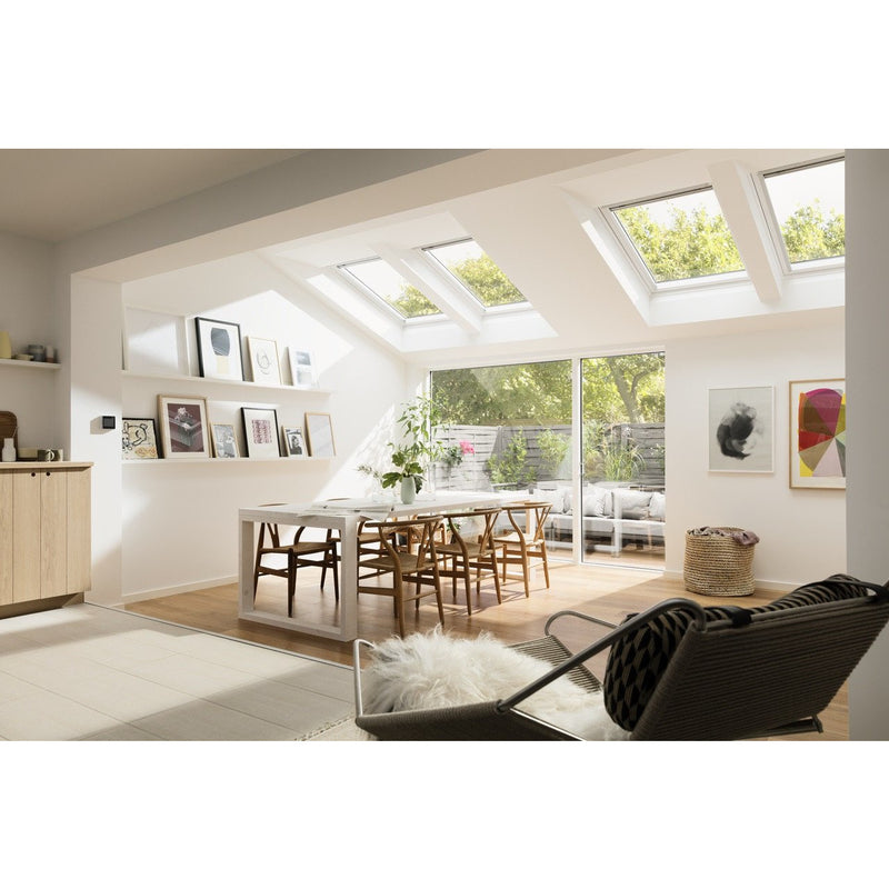 VELUX GGL SK06 2070Q Enhanced Security White Painted Centre-Pivot Window (114 x 118 cm)