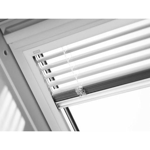 Velux pal manual venetian blinds roofing outlet for Velux sun tunnel installation instructions