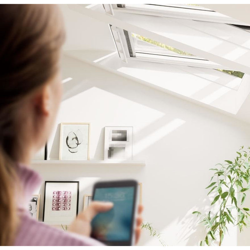 VELUX GGL SK08 207021U White Painted INTEGRA® Electric Window (114 x 140 cm)