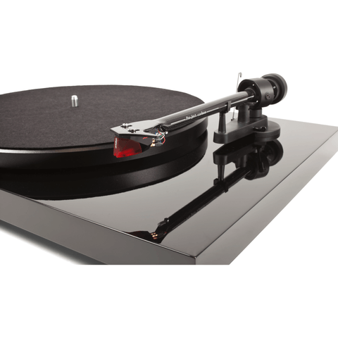 Pro-Ject Debut Carbon DC Belt Drive Turntable - Gloss Black - dogoodaudio - 1