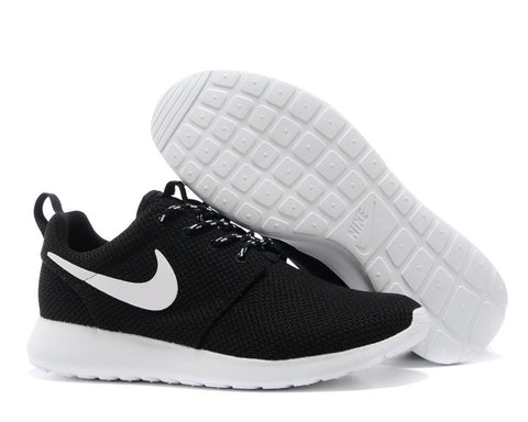 CLASSIC ROSHE RUNS (AVAILABLE IN 3 COLORS)