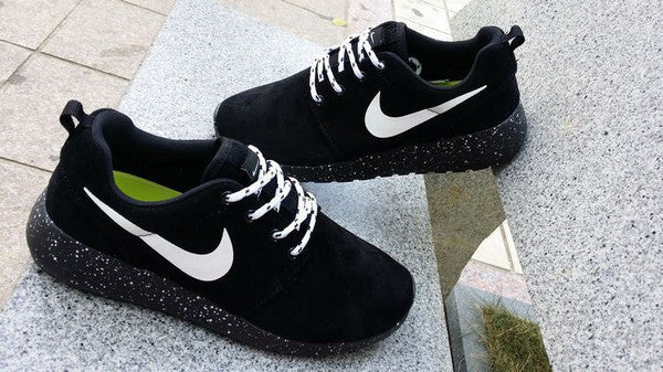 detailed look f34a0 96bdf ... clearance nike roshe run oreo black white 8a863 47312
